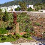 Rathausvorplatz Tijarafe Skulptur Hirtenspringer, La Palma, Wandern,