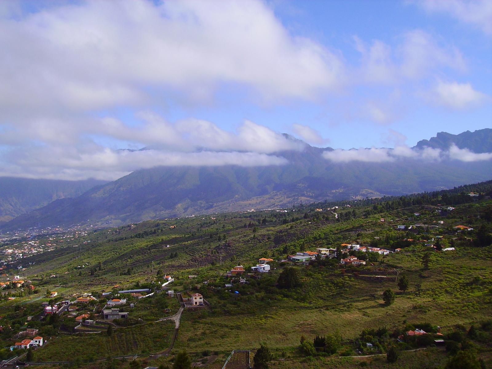 Blick vom Rajada zum Bejenado dem Hausberg von El Paso. La Palma.