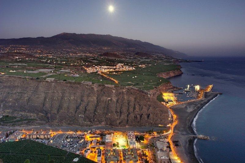 Puerto de Tazacorte bei Nacht, La Palma, Wandern