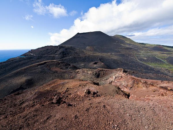 Blick vom Vulkan Teneguia zum Vulkan San Antonio im Süden La Palmas,Wandern