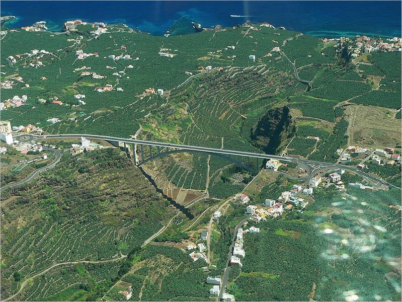Die Jahrhundert-Brücke in Los Sauces.La Palma, Wandern,