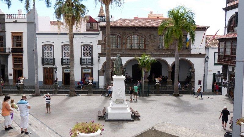 Santa Cruz de La Palma, Rathaus vo der Plaza aus gesehen
