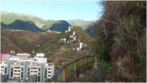 La Palma Wandern-Kontraste Hochhäuser und Wassermühlen aus dem 16 Jahrhundert