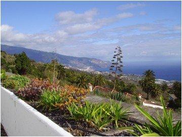 La-Palma-Wandern-Ausblick-von-Mazo-auf-Santa-Cruz-de-La-Palma