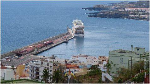 Santa Cruz de La Palma Blick auf den Hafen