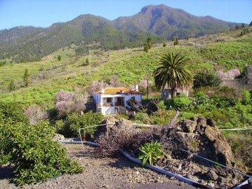 El-Paso-La-Palma-auf-dem-Weg-zu-den-Petroglyhen-von-Fajana
