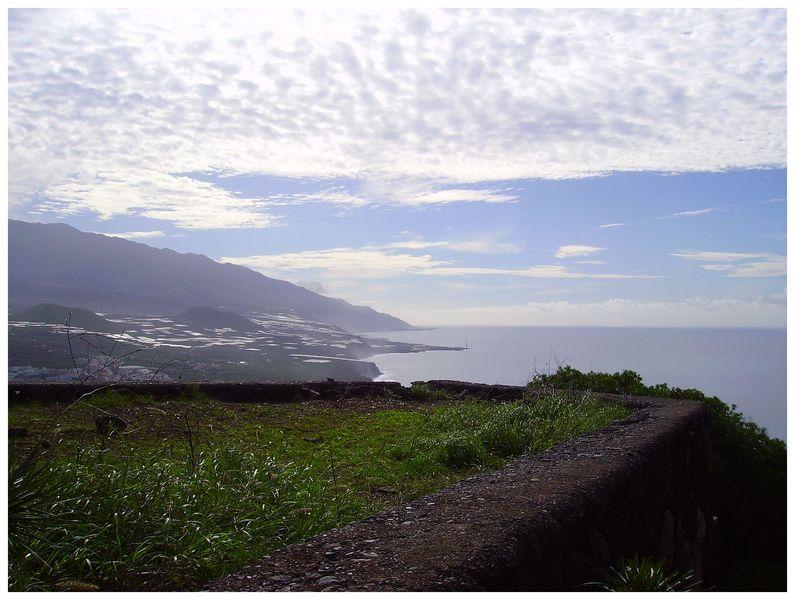 Tijarafe-Aussichtsplatz-im-Ortsteil-La-Costa