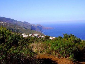 La-Palma-Wandern-Ausblick-auf-die-Steilküste-des-Nordens