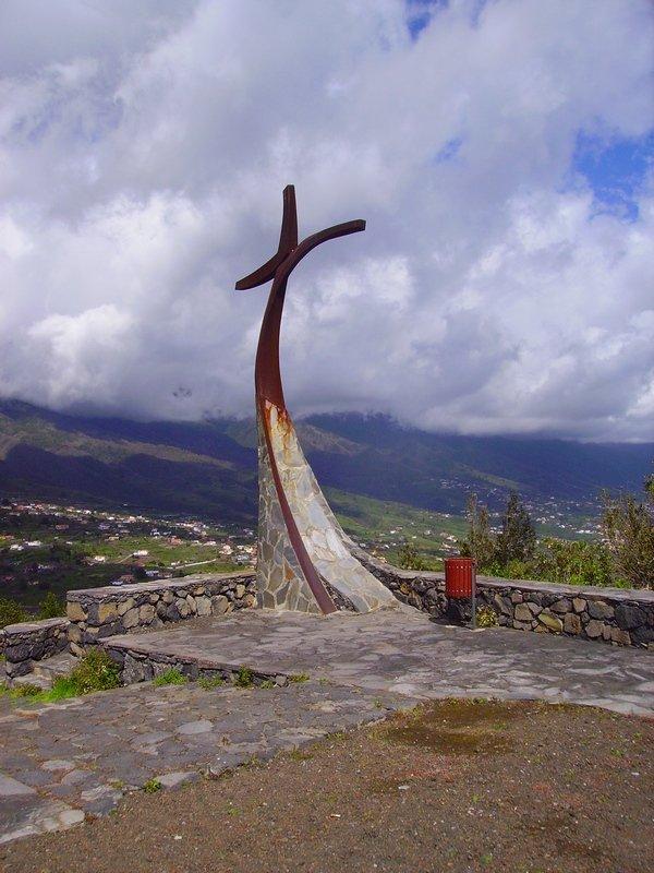 La-Palma-Wandern-Kreuz-auf-der-Montaña-Breña