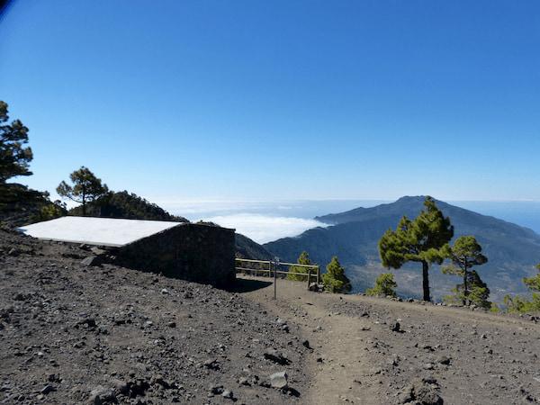 La Palma Wandern bei der Schutzhütte Punta de los Roques mit toller Aussicht auf das Aridanetal
