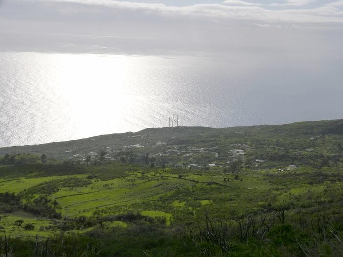 La-Palma-Wandern-Ausblick-vom-Wanderweg-auf-die-Ostküste-von-La-Palma